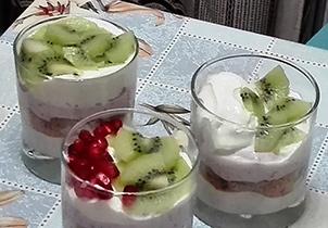 Салат-коктейль с йогуртом. Коктейли для кормящих мам